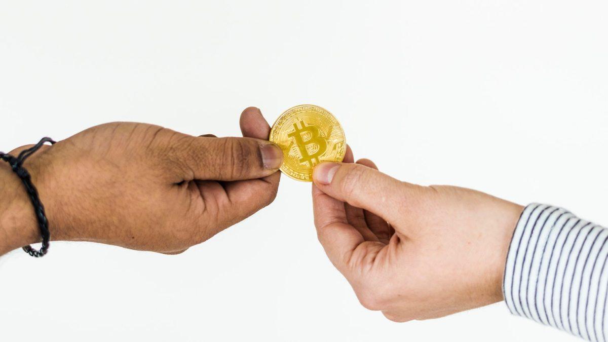 """Exchange digitali e mercati tradizionali: vince chi prima costruisce un'integrazione """"regolamentarmente sostenibile"""" tra questi duemondi"""